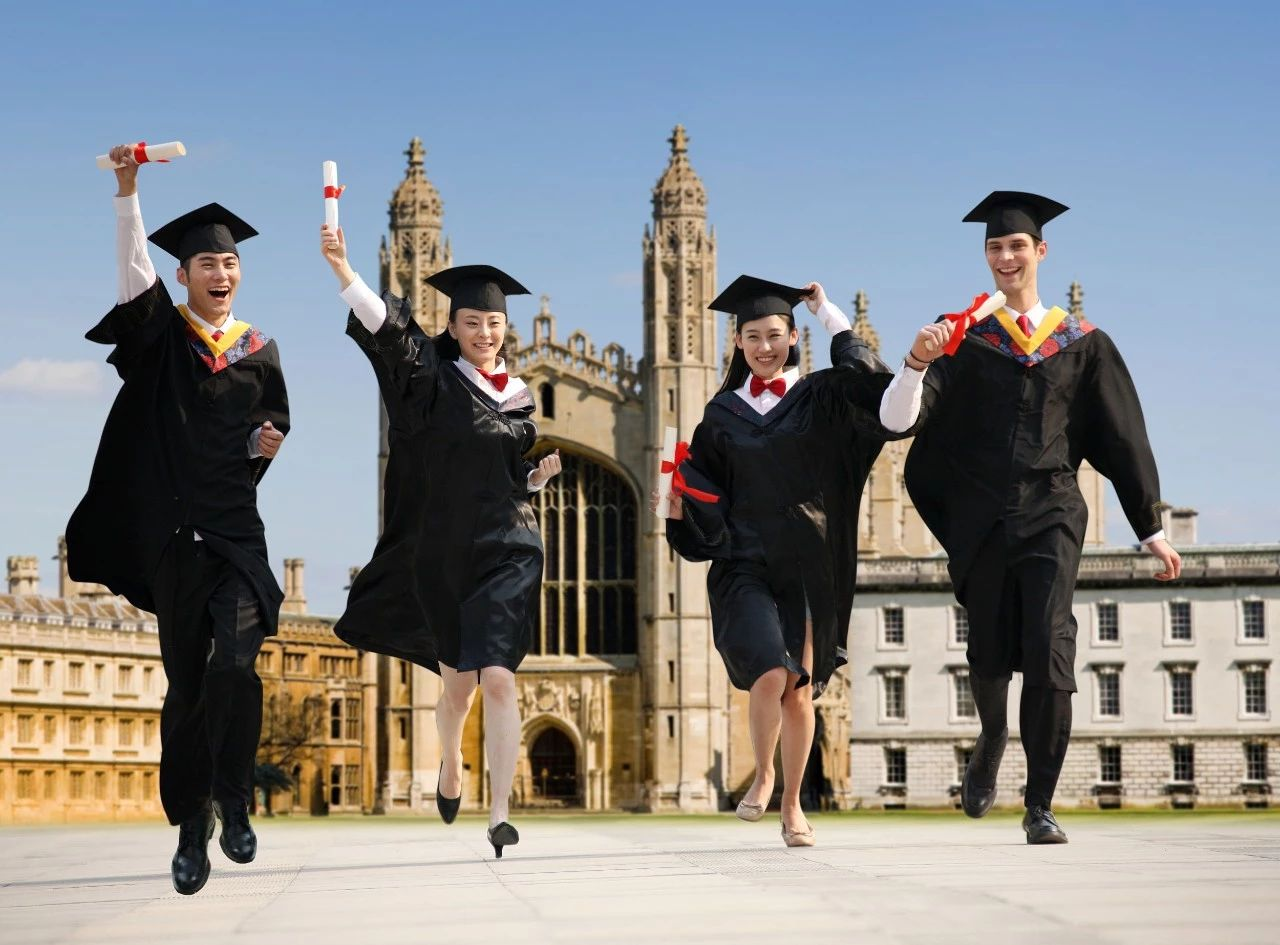 英國高校的中國申請者暴增三成!留學生趨之若鶩為哪般?